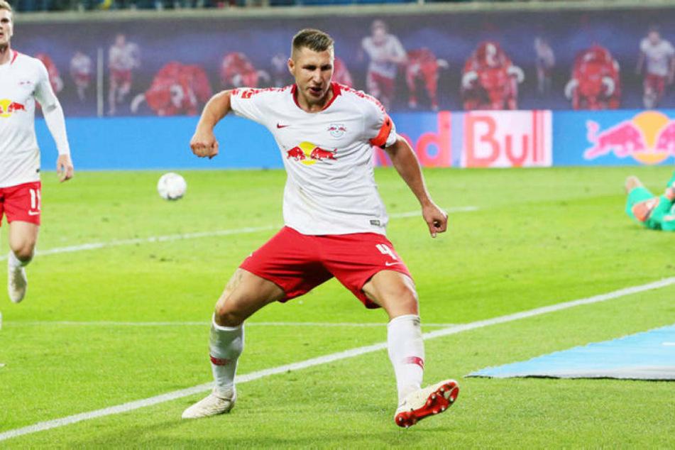 Mit dem Halbzeitpfiff gelang Kapitän Willi Orban mit einem Abstaubertor das 1:0 für RB Leipzig.