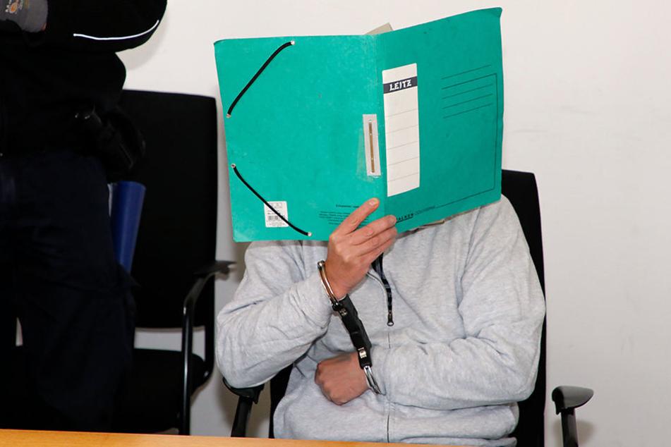 Mike R. am Montag im Landgericht Chemnitz
