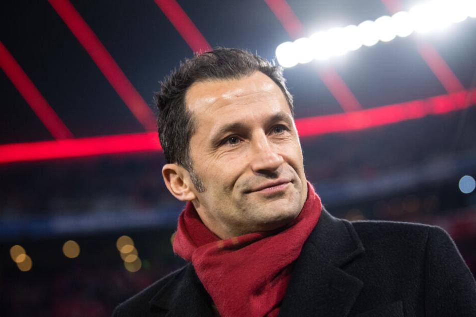 Hasan Salihamidzic, Sportdirektor vom FC Bayern, warnt vor möglichen Nachteilen durch eine Altersgrenze im Profi-Fußball.