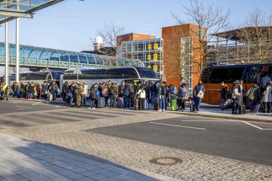 Am Dresdner Flughafen war am Donnerstag einiges los. Grund sind die Streiks in Berlin.