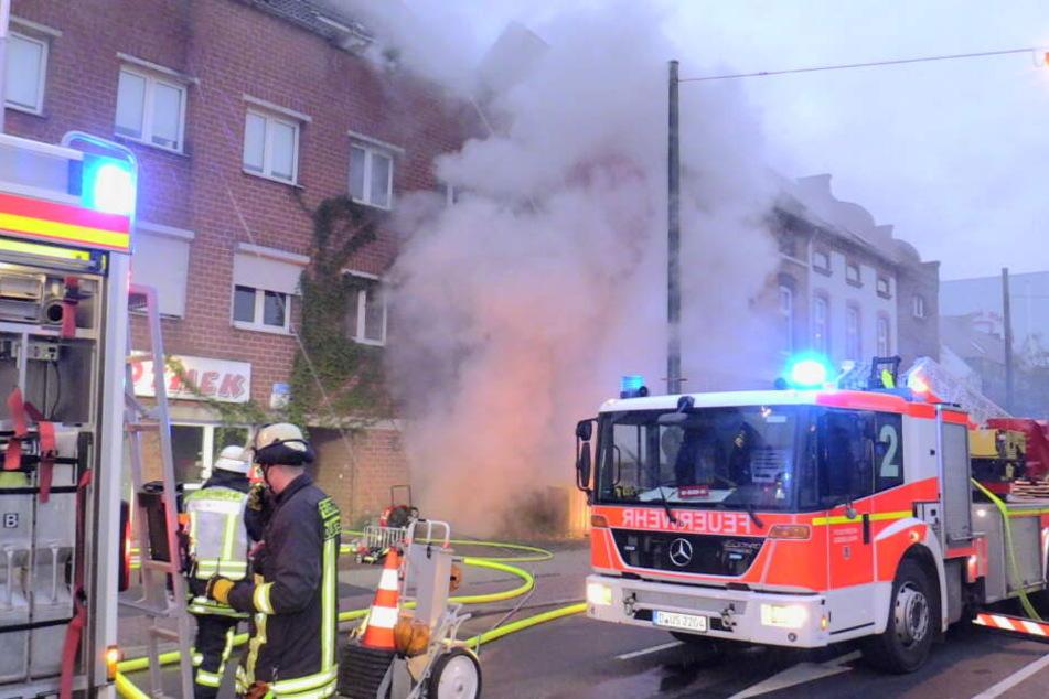Infolge des Feuers kam es zu einer massiven Rauchentwicklung.
