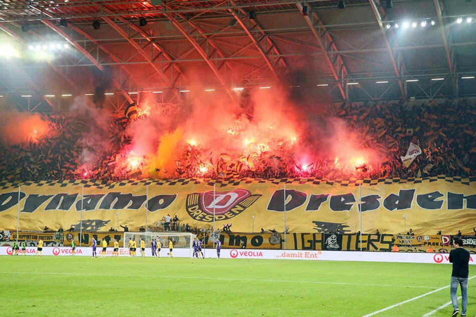 Das Abbrennen von Pyrotechnik wurde vom DFB hart bestraft.