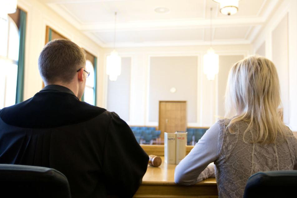 Laienrichter unterstützen die Arbeit der hauptamtlichen Richter. (Symbolbild)