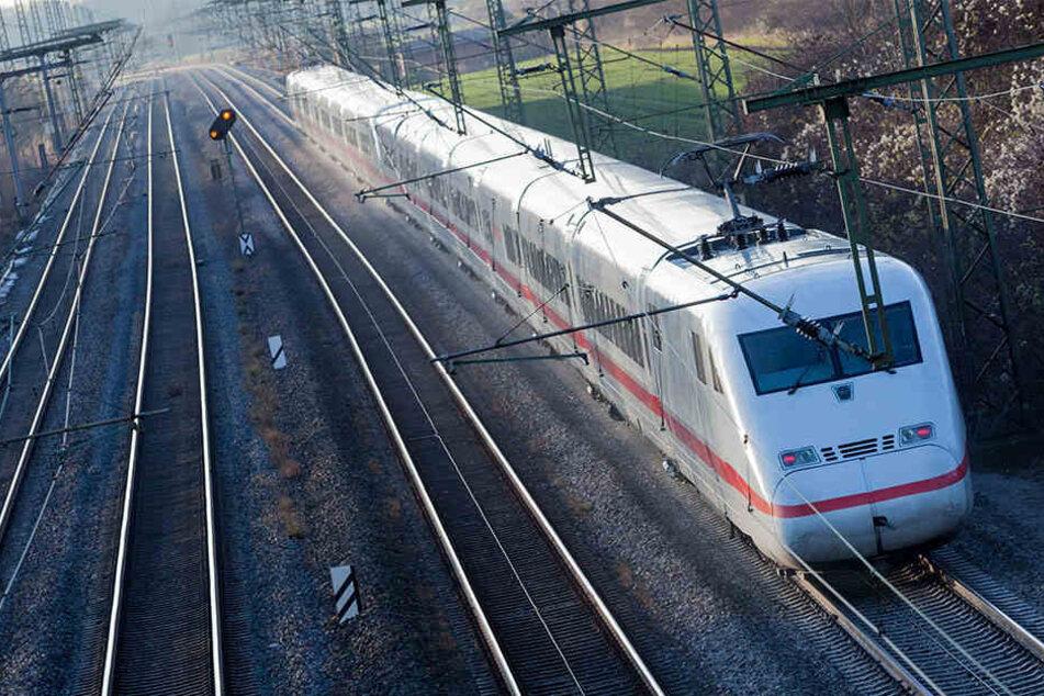 ICE oder Regionalbahn: Alle Fahrpläne wurden vorerst eingestellt.