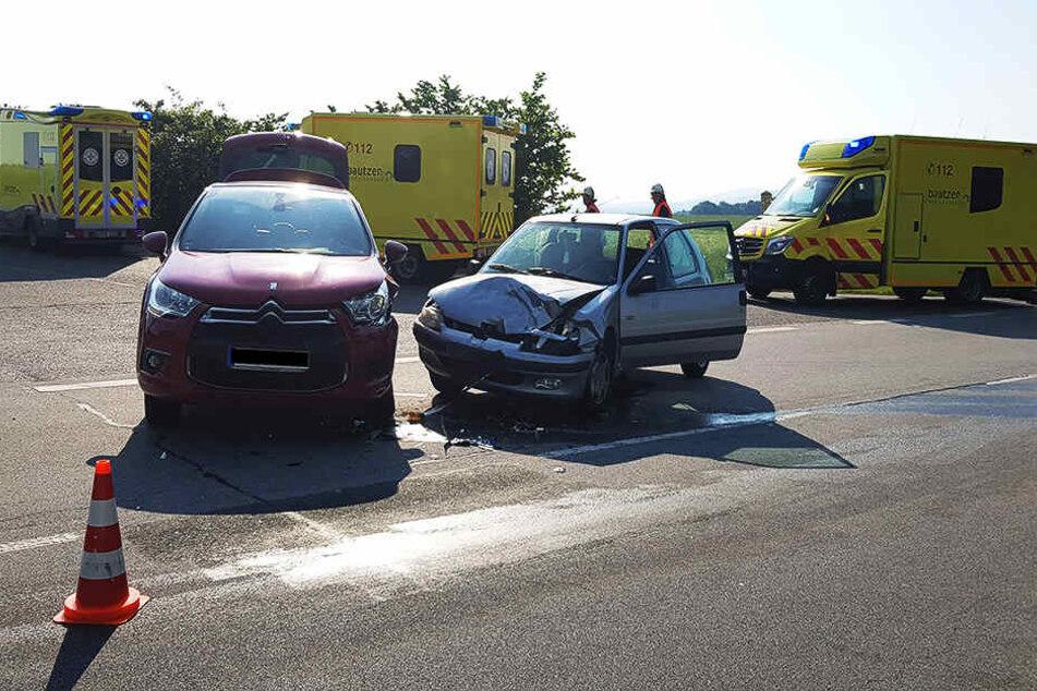 Ein Citroën und ein Peugeot waren in den Unfall verwickelt.