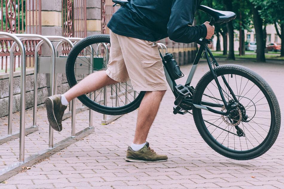Dreister Fahrraddieb bei Leipzig auf frischer Tat ertappt!