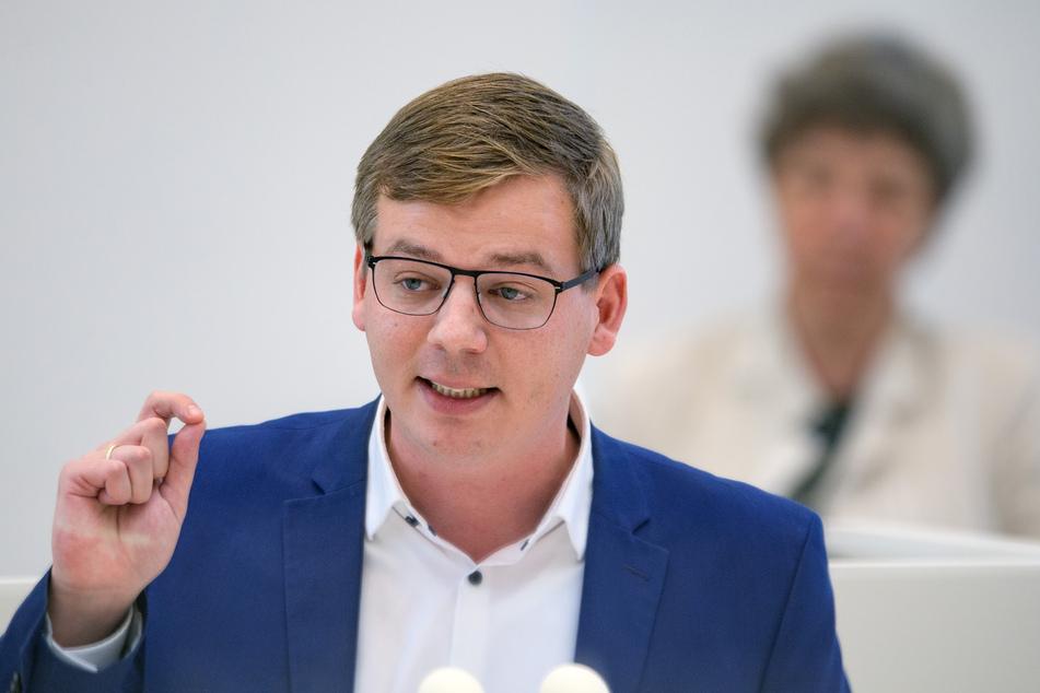 Der Linksfraktionsvorsitzende Sebastian Walter kritisierte die Äußerungen der AfD.