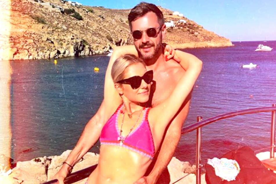 Bei Valentina Pahdes (23) sexy Urlaubsbegleitung handelt es sich um Moderator Jochen Schropp (39).