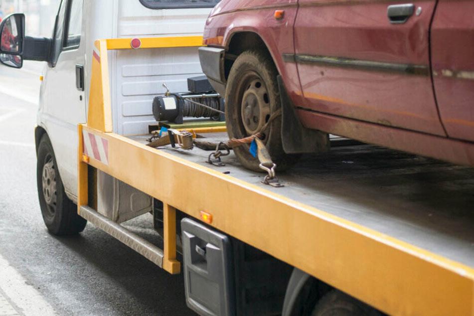 Köln: Falsch geparktes Auto führt zu handfester Schlägerei