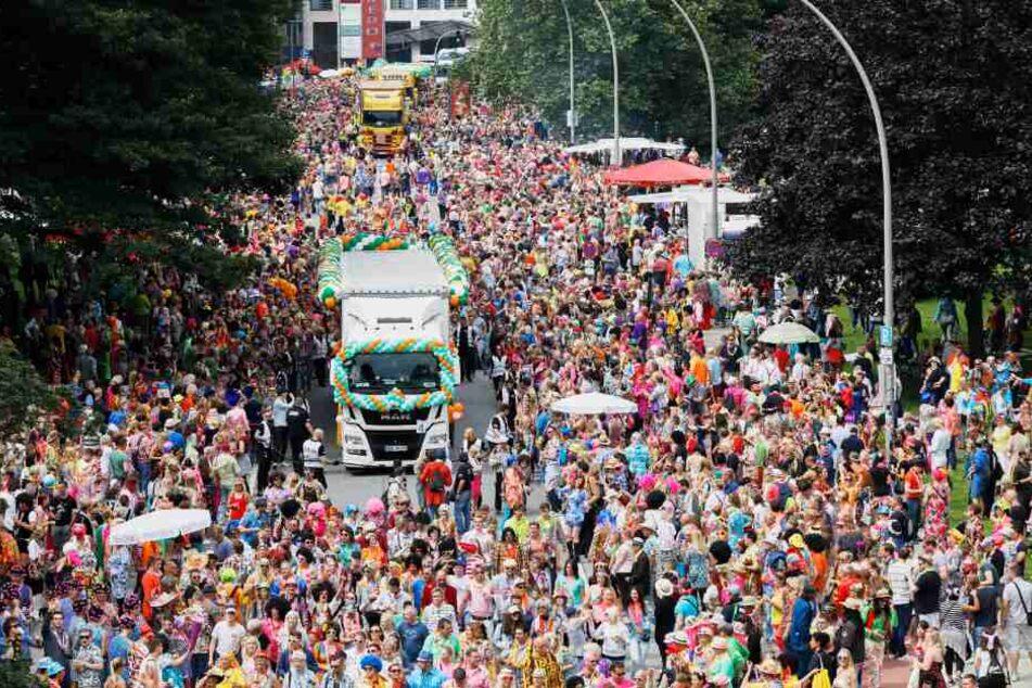Von Kater Mukke bis Schlagermove: Der Samstag in Hamburg wird bunt und laut!