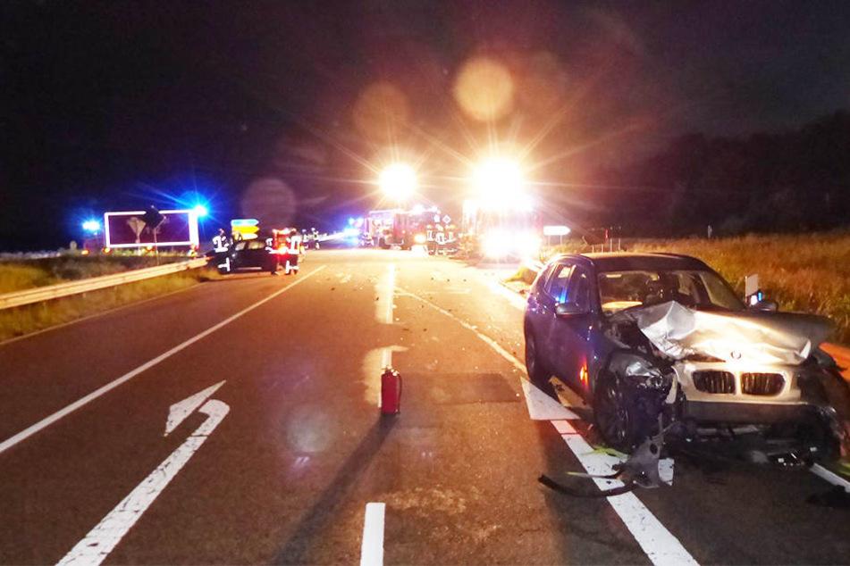 Die beiden Autos waren nach dem Zusammenstoß nur noch Schrott.