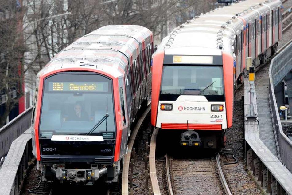 Zwei Bahnwagen der Linie U3 begegnen sich: Aktuell ist die Strecke zwischen Schlump und Kellinghusenstraße gesperrt.