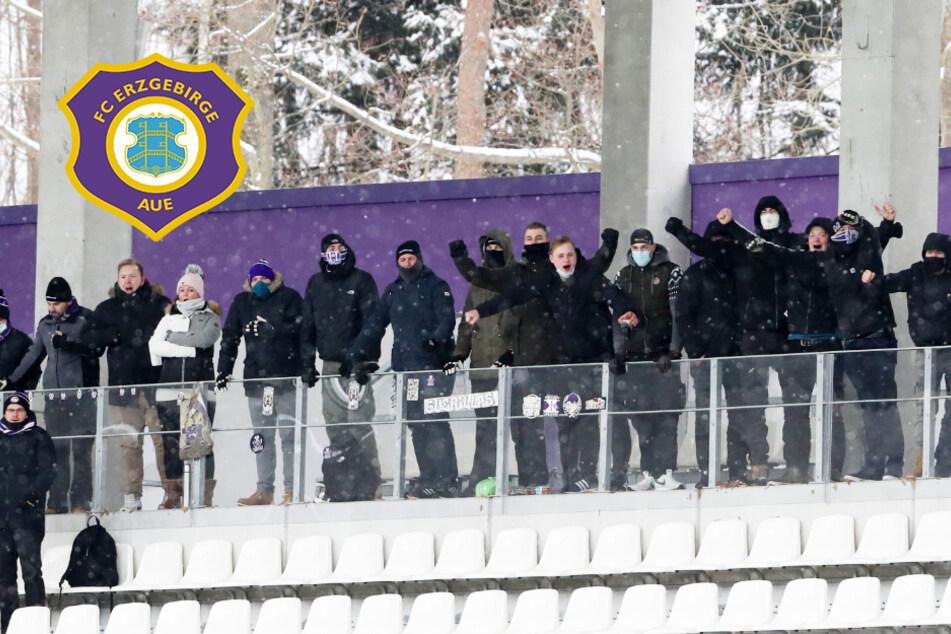 Trotz Geisterspiel gegen Düsseldorf: Aue-Fans im Erzgebirgsstadion