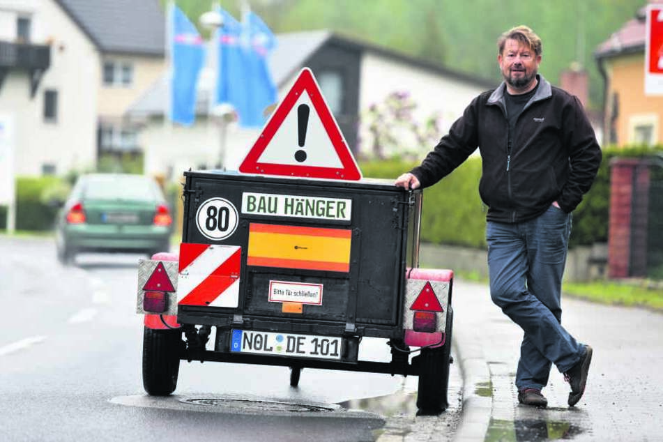 Raserbremse mal anders: Mit seinem Anhänger will Ronny Leyer (44) Autofahrer zum Langsamfahren zwingen.