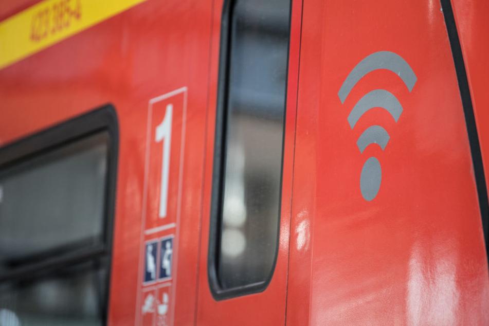 Rund 150 Arbeitsstunden pro Zug investiert der RMV für die Versorgung mit WLAN.