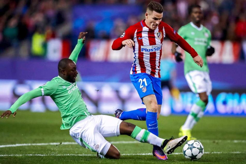 Willems (l.) beim UEFA Champions League Spiel der Gruppe D gegen Atletico Madrid.