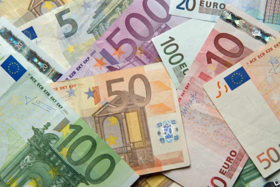 Die Berliner verdienten 2017 in Vollzeit im Durchschnitt 4034 Euro monatlich. (Symbolbild)