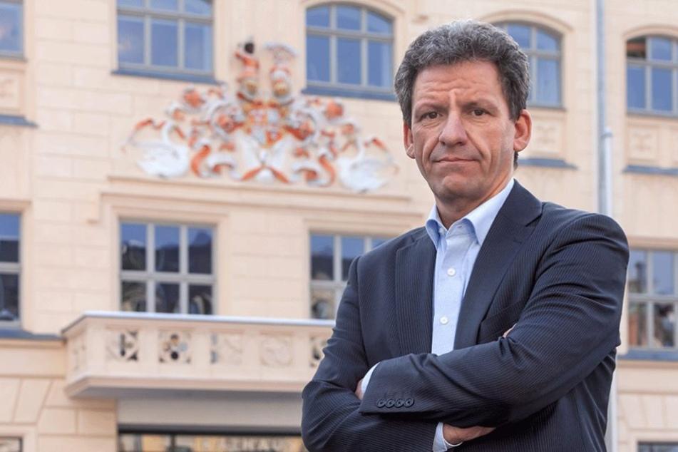 Rathaus-Sprecher Matthias Merz (47) gibt den Kampf um die Wiederbelebung der drei Kaufhäuser noch nicht verloren.