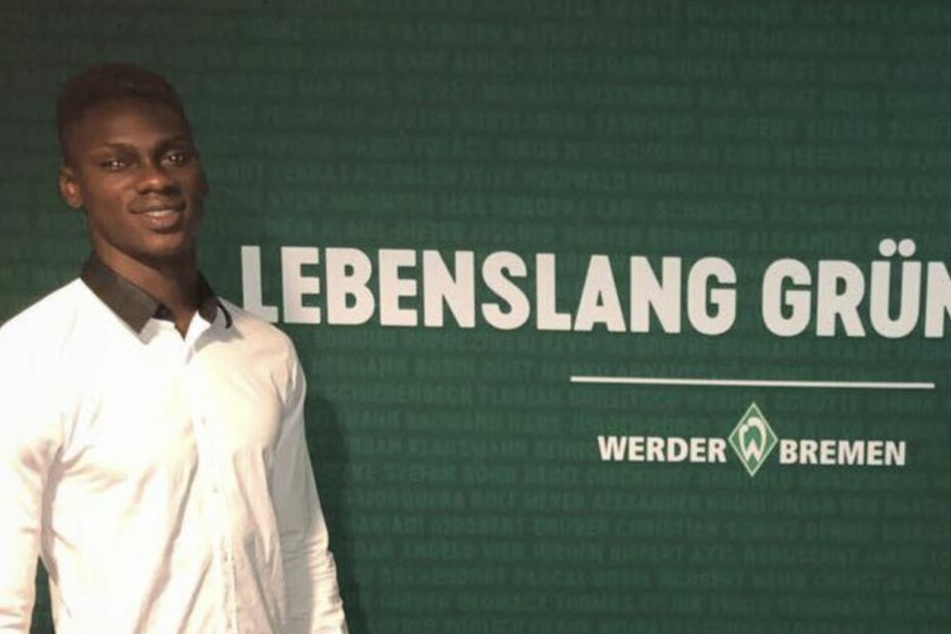 Toure unterschrieb in Bremen seinen ersten Profivertrag.
