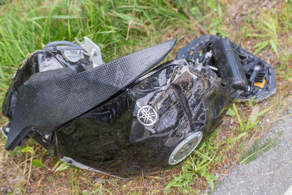 Der Tank des Motorrads wurde bei dem Unfall abgerissen.