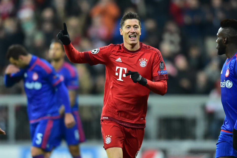 Robert Lewandowski bei 2:0 gegen Olympiakos Piräus. In der Gruppenphase der Champions League wird er auch gegen dieses Team wieder spielen.