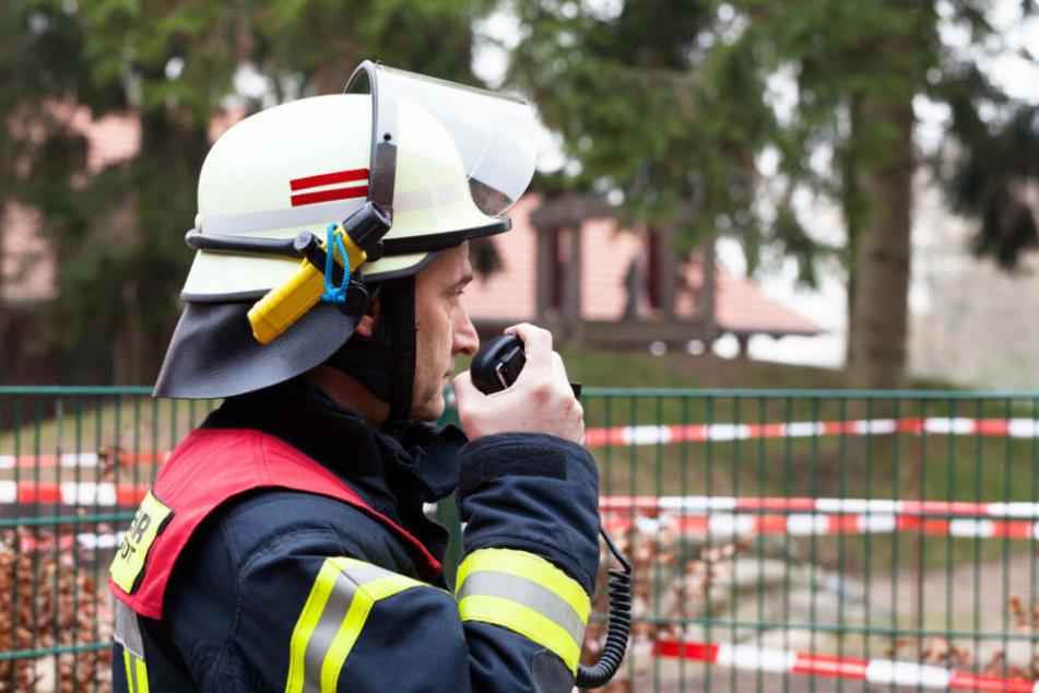 Die Feuerwehr war mit einem Großaufgebot beim Brand am ehemaligen Bahnhof Curslack im Einsatz (Symbolfoto).