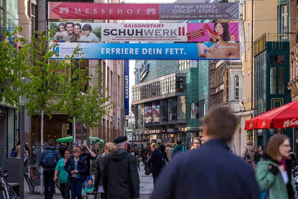 Aggressive Bettler vor Ladeneingängen sind geschäftsschädigend, sagen IHK und Handwerkskammer zu Leipzig.