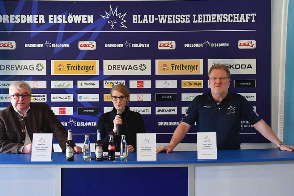 Auf einer Pressekonferenz wurde der neue Coach vorgestellt. Geschäftsführer Volker Schnabel, Pressesprecherin Eva Wagner und Trainer Franz Scheer (von links nach rechts).