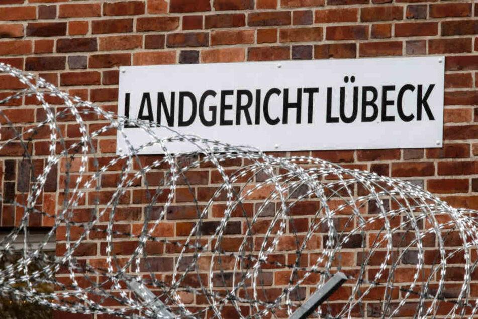 Der Prozess findet vor dem Lübecker Landgericht statt.