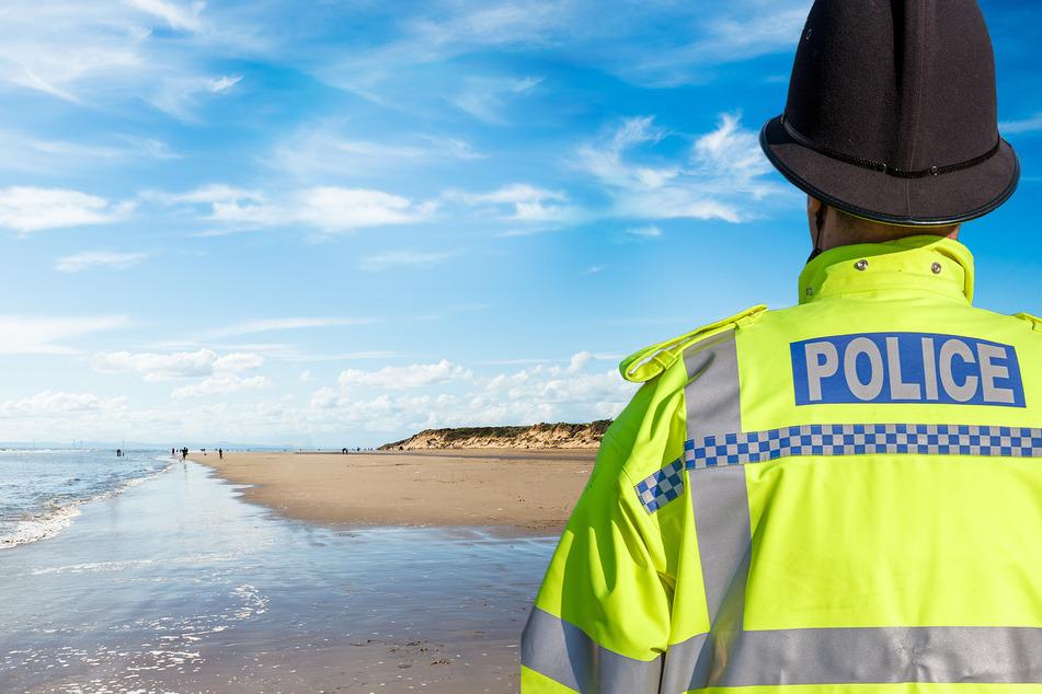 Die Polizei muss nach dem Vorfall am Strand von Formby patrouillieren.