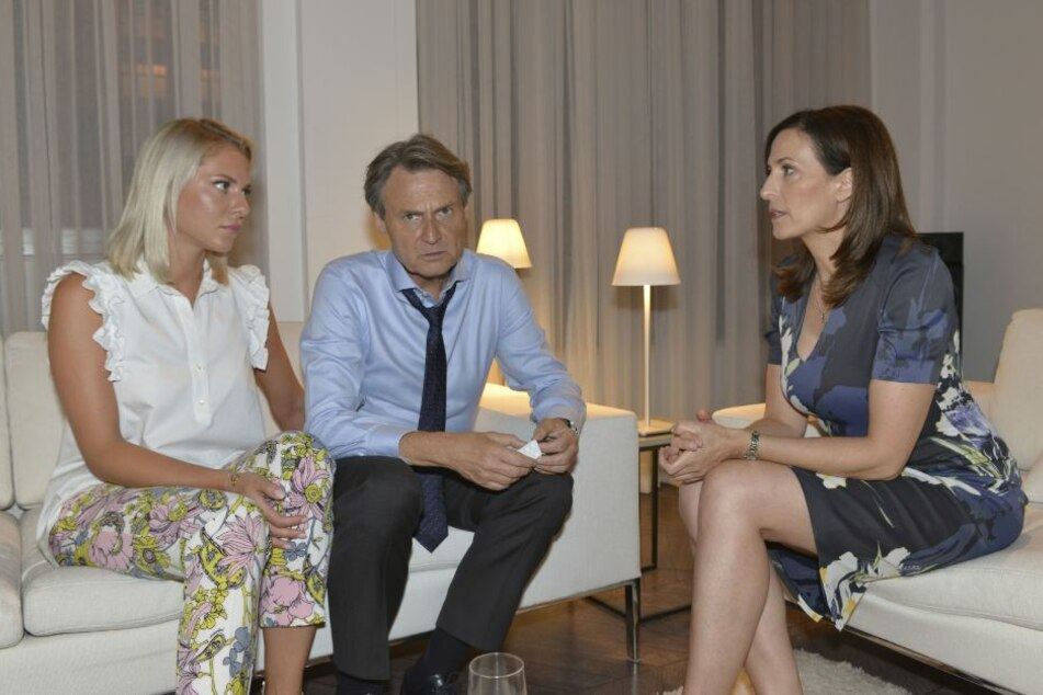 Jo Gerner, Sunny und Katrin müssen schnell eine Lösung finden.