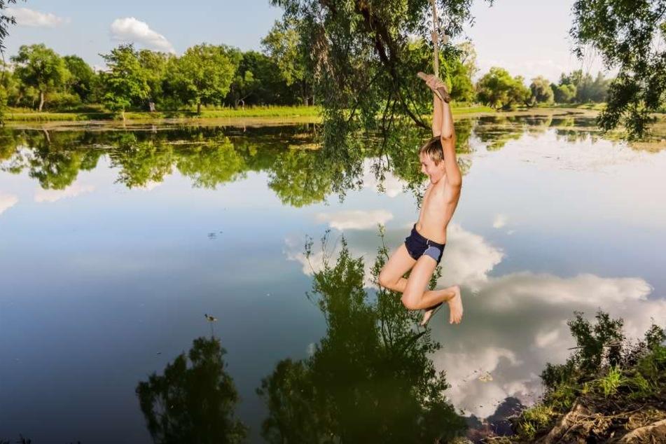 Bevor man ins Wasser springt, ist Abkühlung unabdingbar.