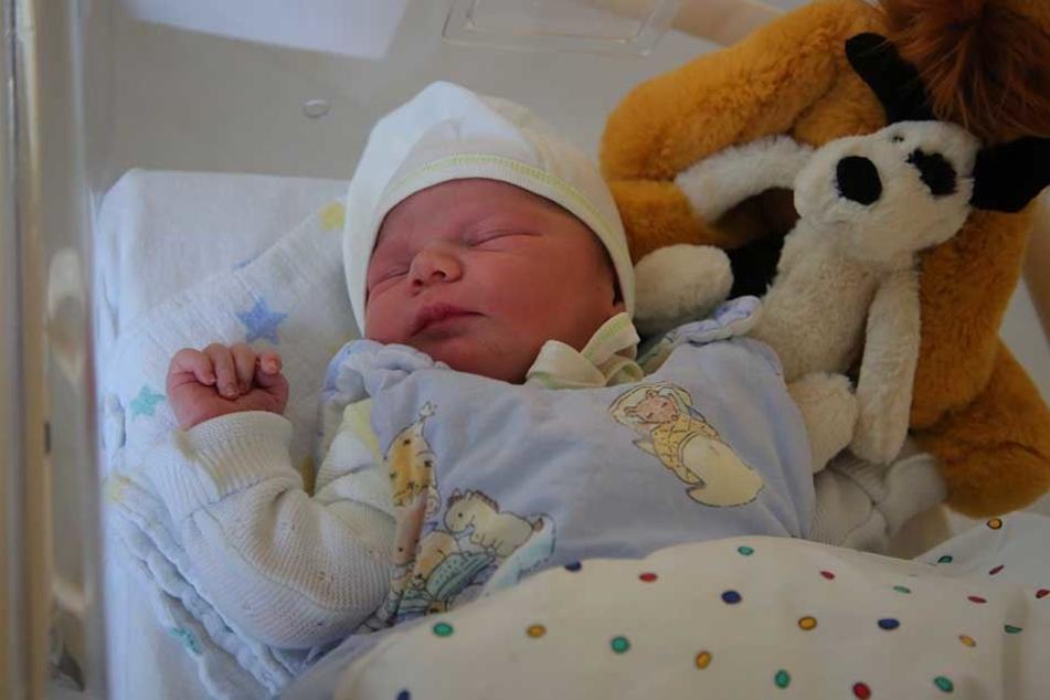 Hannu Fred kam 1.38 Uhr im städtischen Klinikum Friedrichstadt gesund zur Welt.