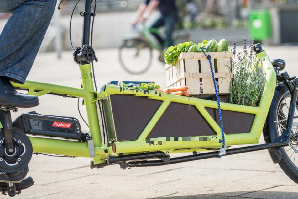 Enorm praktisch: Schwere Lasten können auch per Fahrrad transportiert werden (Archivbild).