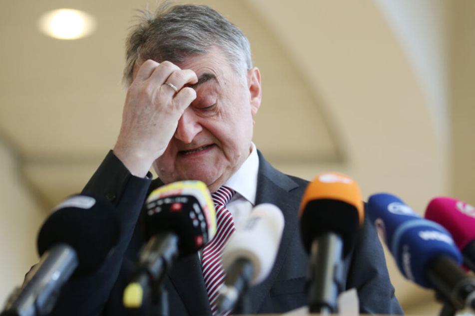 Herbert Reul (CDU), Innenminister in Nordrhein-Westfalen, gibt ein Statement im Landtag zu den Maßnahmen der Bundesanwaltschaft gegen Mitglieder einer möglichen rechtsterroristischen Vereinigung.
