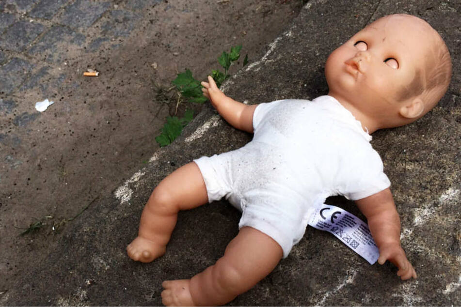 Das kleine Mädchen erlitt motorische Schäden und schwere Sehstörungen (Symbolbild).