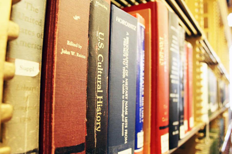 """In OWL haben heute am """"Tag der Bibliotheken"""" viele Bibliotheken geschlossen."""