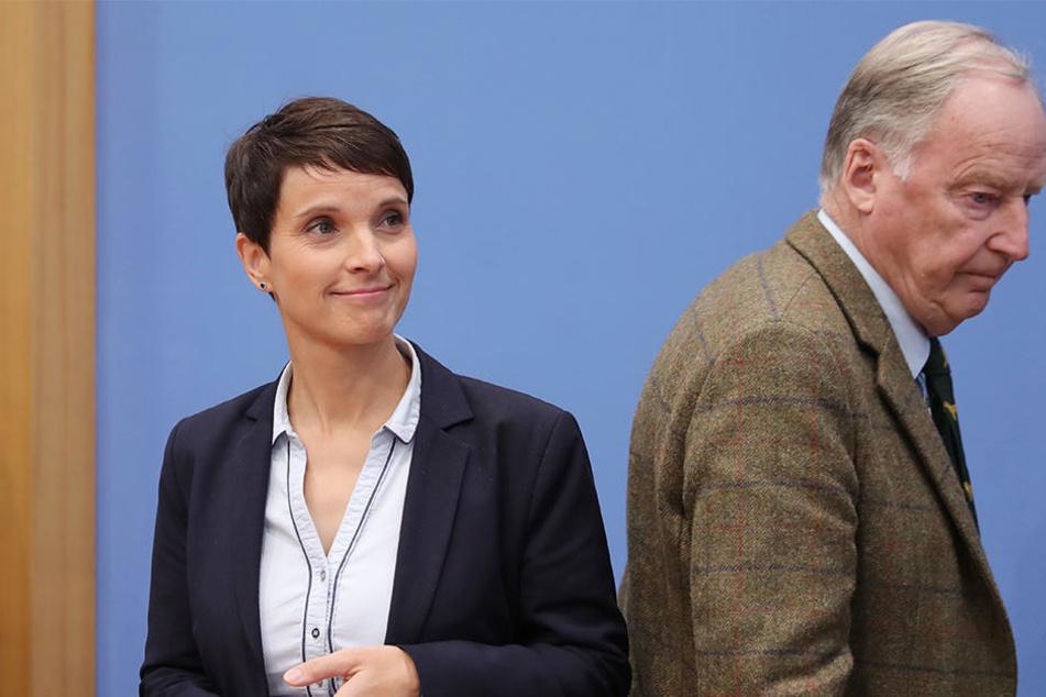 Sinnbildlich: Frauke Petry (l.) und AfD-Spitzenkandidat Alexander Gauland gehen getrennte Wege.