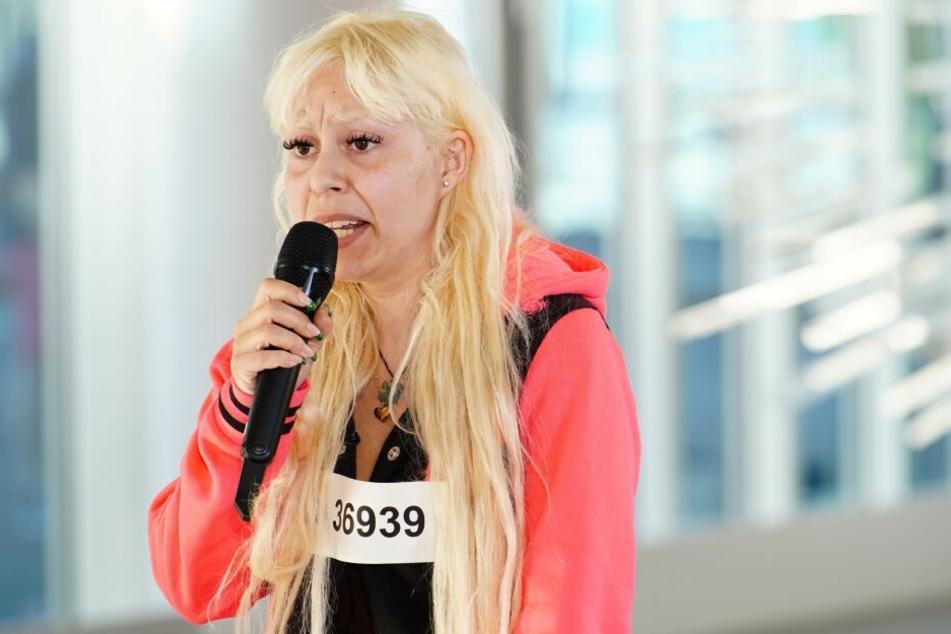 Selma versucht ihr Glück beim DSDS-Casting in Hamburg.