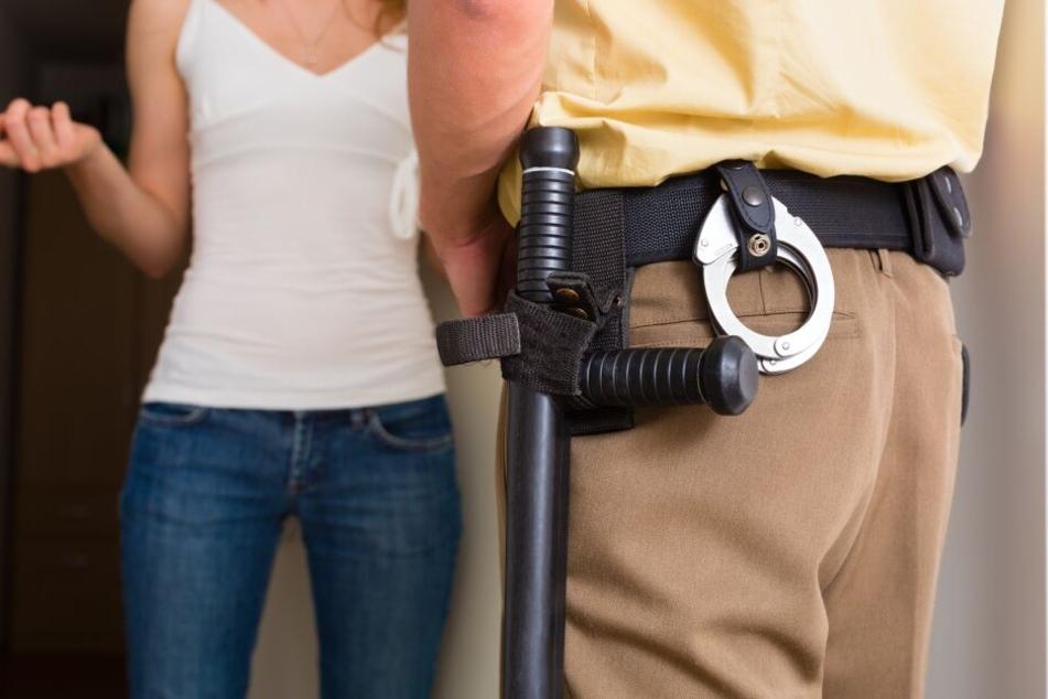 Die Übergabe eines Portemonnaies durch die Polizei endete am Dienstagabend anders, als erwartet.