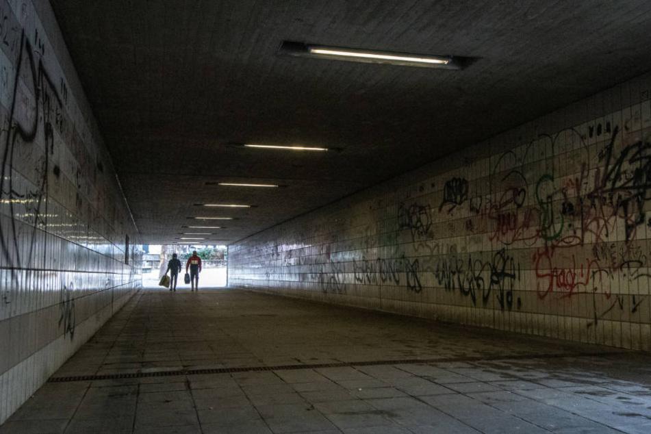 Eine Straßenunterführung nahe dem Bahnhof in Amberg.