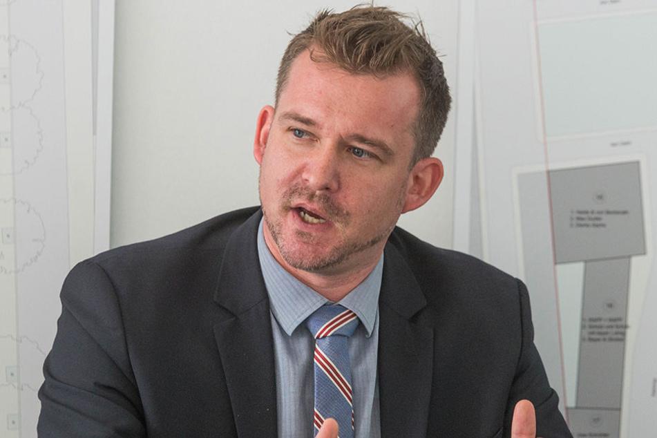 Baubürgermeister Raoul Schmidt-Lamontain (40, Grüne) versucht bislang vergeben, die Besitzer mit Geldstrafen zu zügeln.