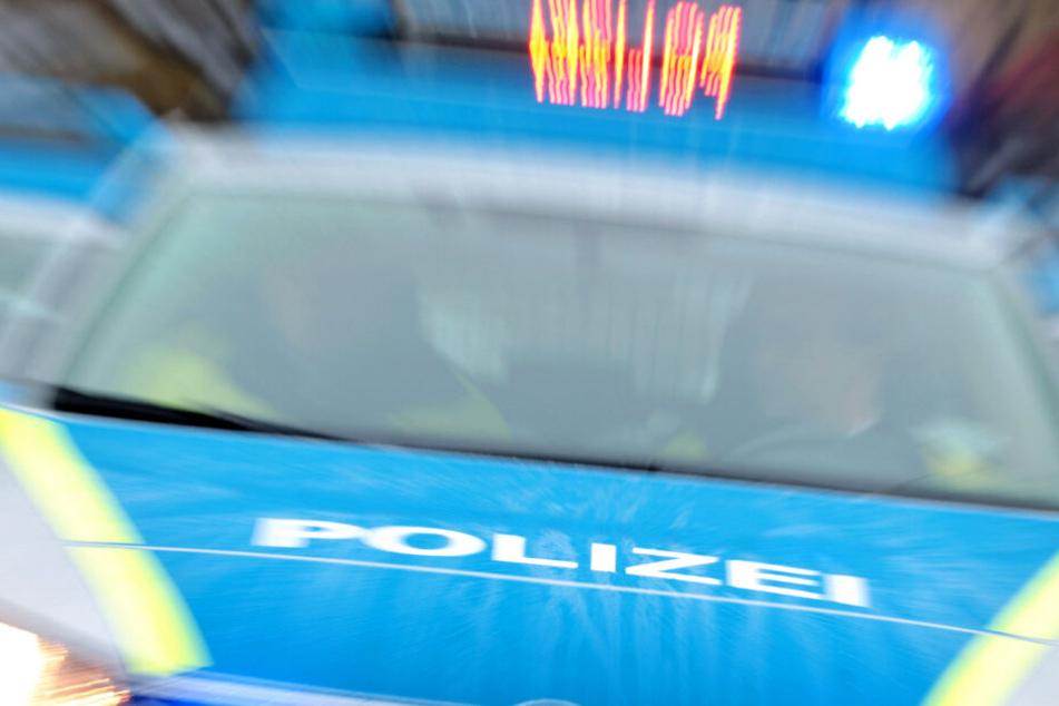 Die Ermittlungen der Polizei dauern an (Symbolbild).
