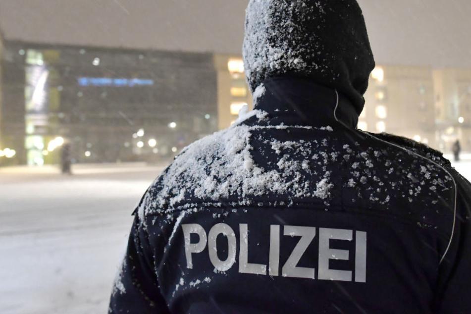 Zu wenig Geld für Winterjacken: Objektschützer frieren, Polizeigewerkschaft stink sauer