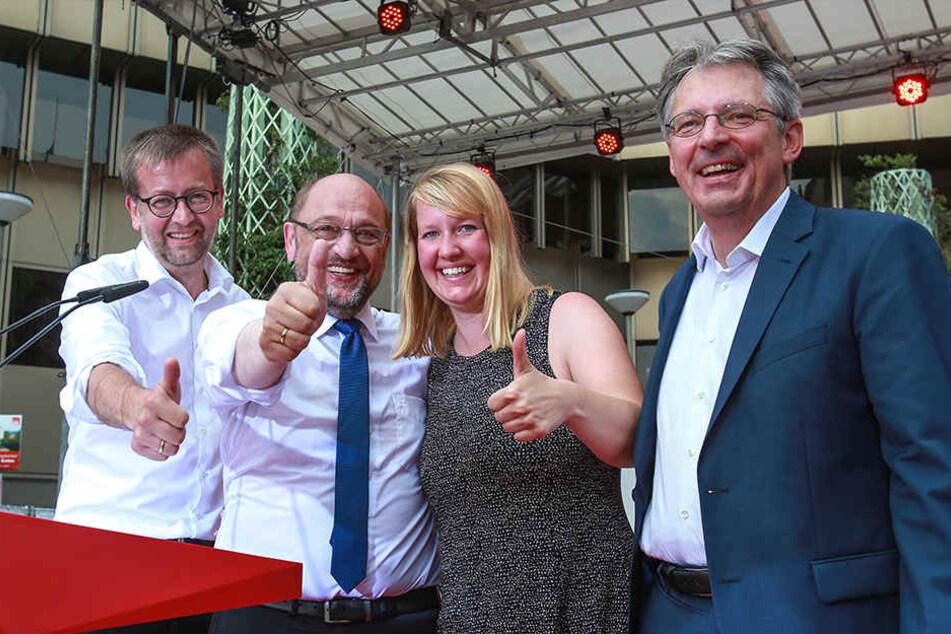 NRW für Berlin: Martin Schulz mit den Kandidaten Wiebke Esdar, Achim Probst (Minden-Lübbecke, r.) und Burkhard Blienert (Paderborn, l.)
