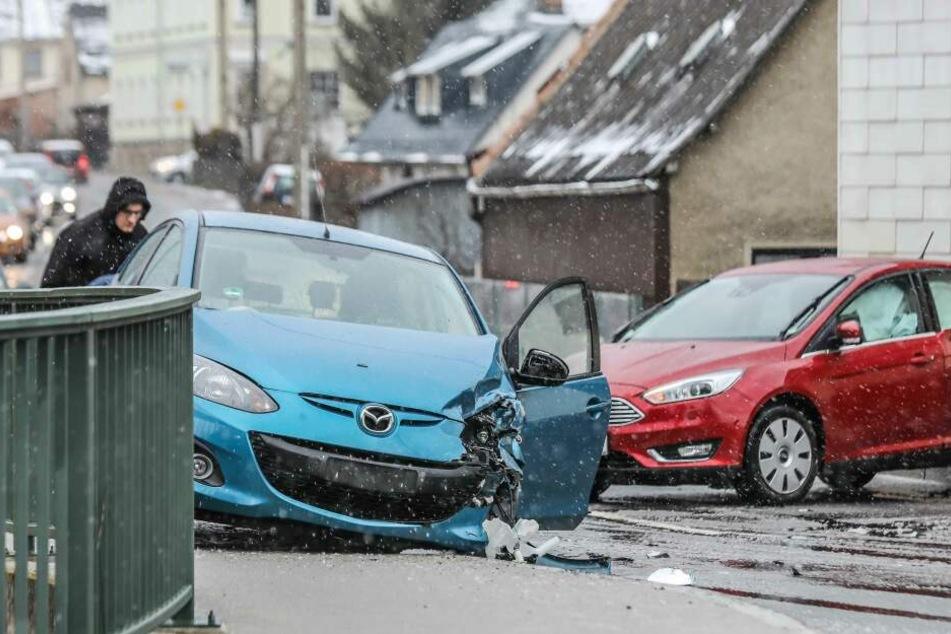 Vogtland: Crash auf B169 sorgt für Stau