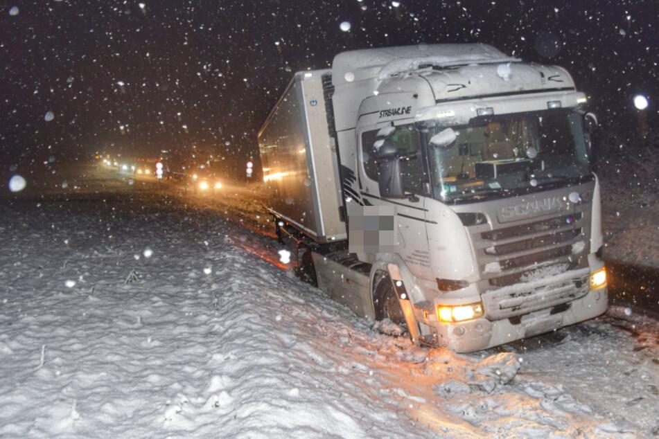 Erster Schnee in Baden-Württemberg provoziert zahlreiche Unfälle