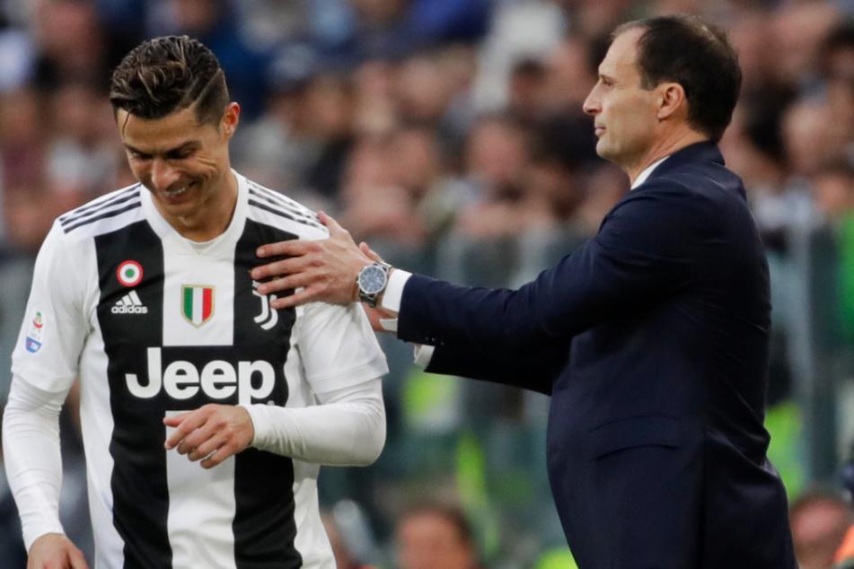 Mit Juve wurde Massimiliano Allegri (r.) fünfmal in Folge italienischer Meister. 2019 auch gemeinsam mit Cristiano Ronaldo.