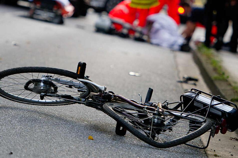 Im Falle eines Verkehrsunfall hat das Fahrrad gegen ein tonnenschweres Auto keine Chance. (Symbolbild)