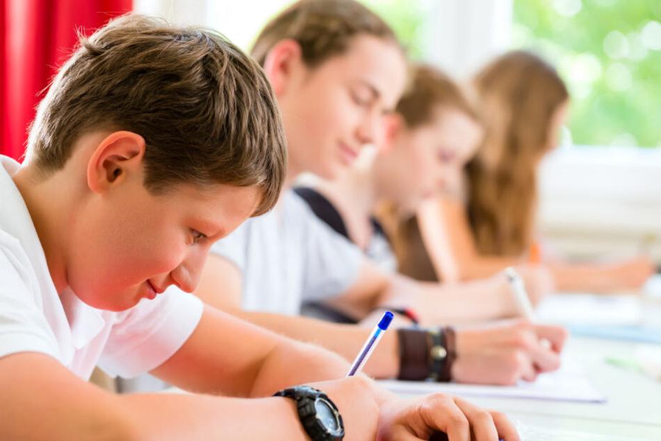 Immer mehr Schüler haben Probleme mit der Handschrift. (Symbolbild)